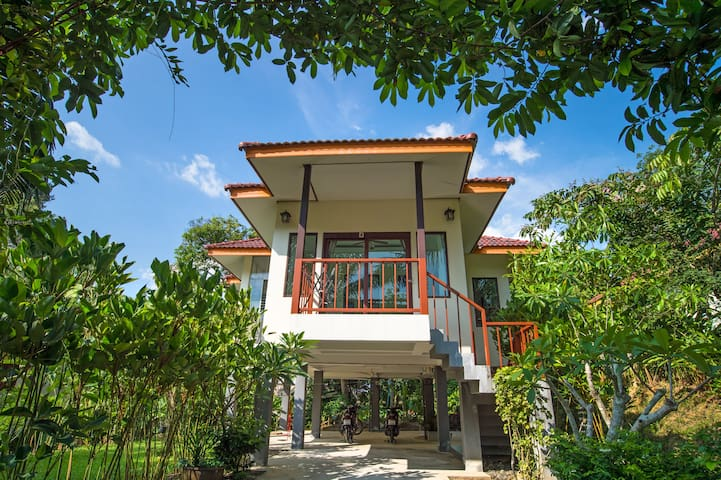 Krabi Green Hill Pool Villas05# 3 BR Shared Pool