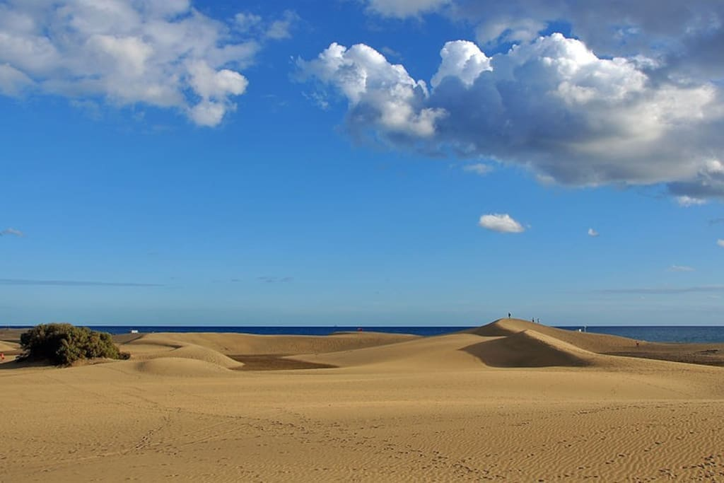 Maspalomas dunes, 25 min on foot and 5 min by car
