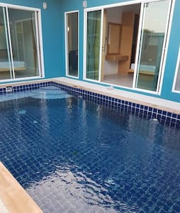 2 rooms Pool villa free transfer from Airport
