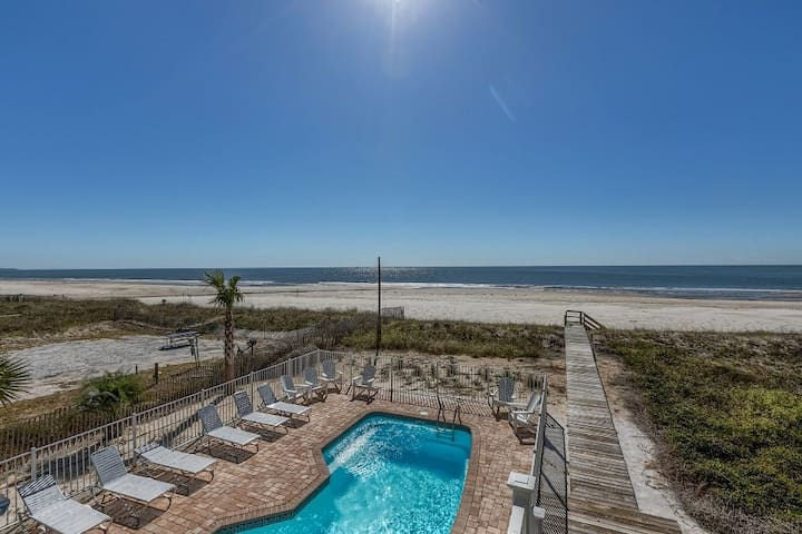 Quiet C30A Gulf Front Home with Private Pool & Stunning Views ~ Coastal Cove
