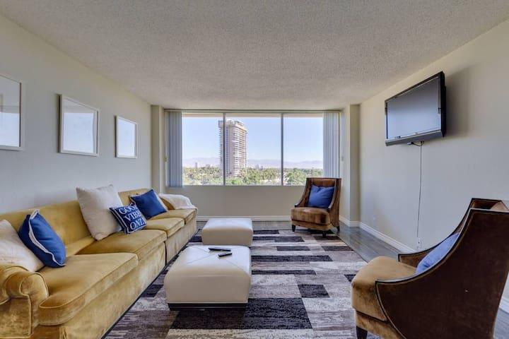 (M307) Hi-rise Apartment By Strip! Walk to CES!