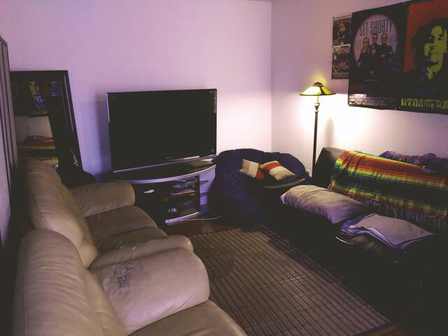 Crashpad for cheap in noho