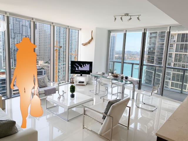 Spectacular 2 Bedroom Suite at ICON Brickell!