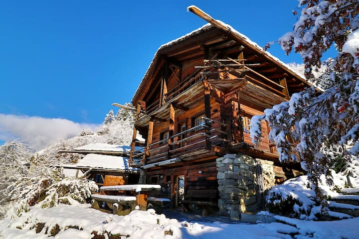 Private Bed + Bath-Chalet Close to Verbier! - Bagnes - Almhütte