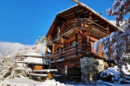 Private Bed + Bath-Chalet Close to Verbier! - Bagnes - Hytte (i sveitsisk stil)