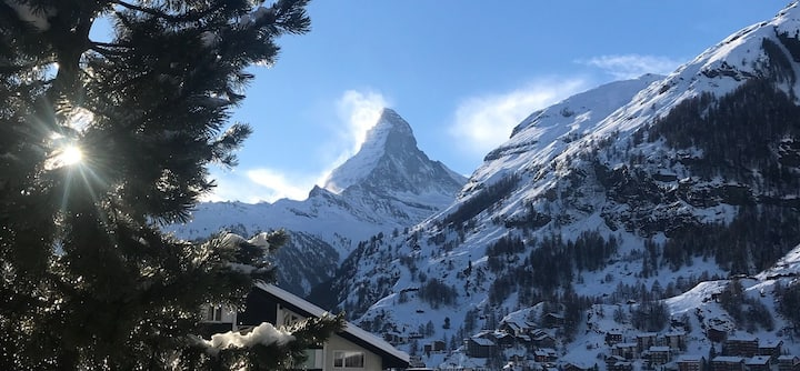 Matterhorn views, gorgeous flat close to ski lift