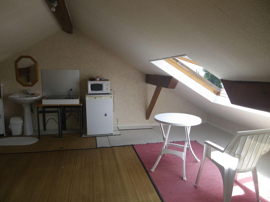 coin cuisine et lavabo (15 m2)