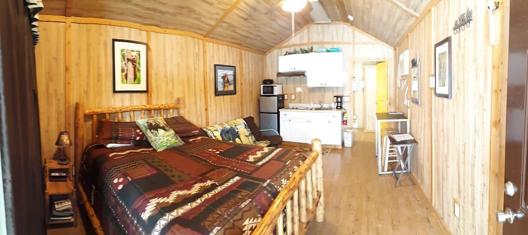 Sky Eco - Bear Den Cabin