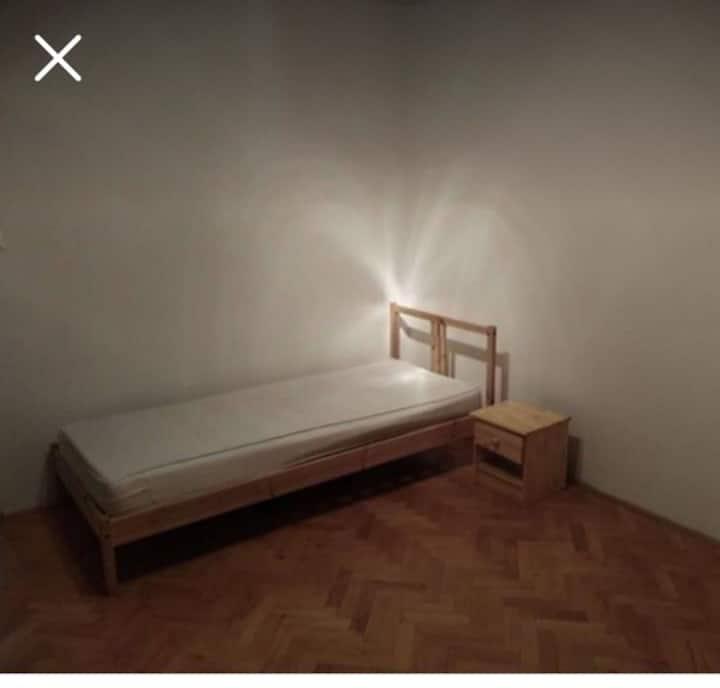 Tichá samostatná izba blízko centra