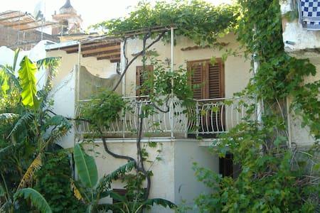 CASA  BIANCA A RINELLA - Malfa - House