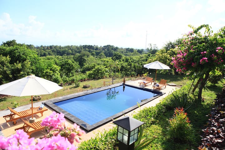 Bungalow with Spectacular View in Nusa Penida