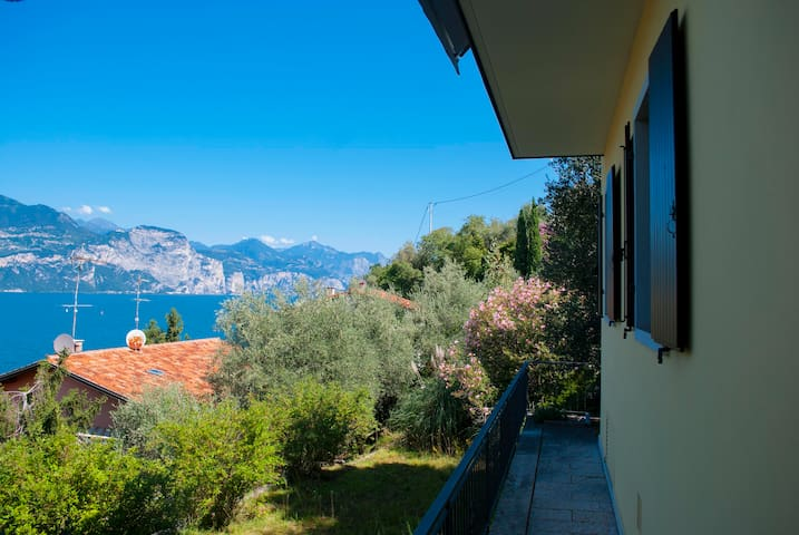 Panoramic view apartment, Lake Garda - Brenzone sul Garda - House