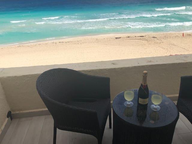 Ocean view studio, elegant and clean.