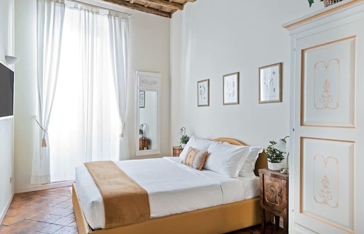Master bedroom / camera da letto matrimoniale