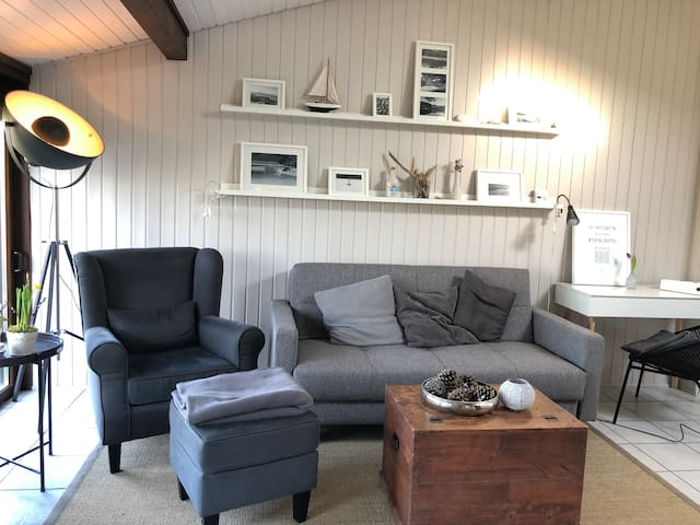 Wohlfühlhaus mit Kamin am See im Sauerland
