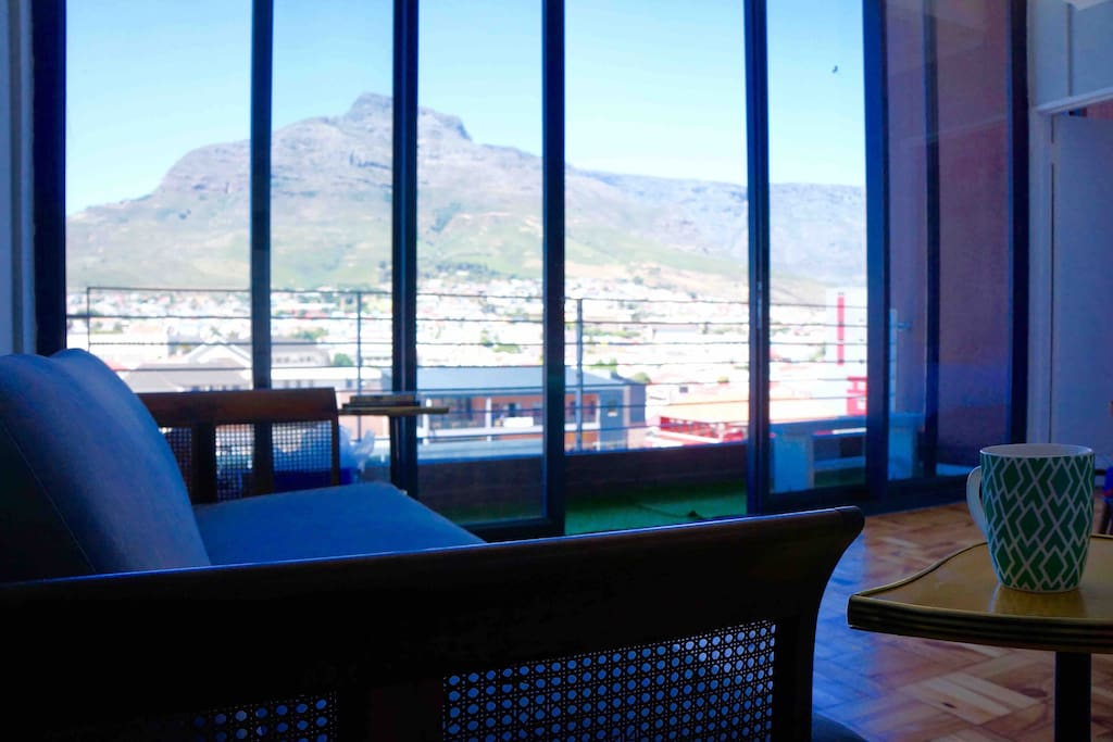 view from lounge of devil's peak and table mountain on the side