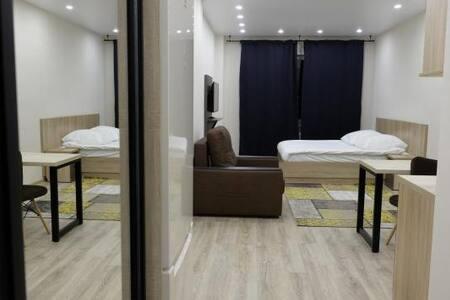 Апартаменты на Воскресенской, 59 (20 этаж)