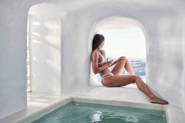 Junior Suite with Hot Tub and Caldera View