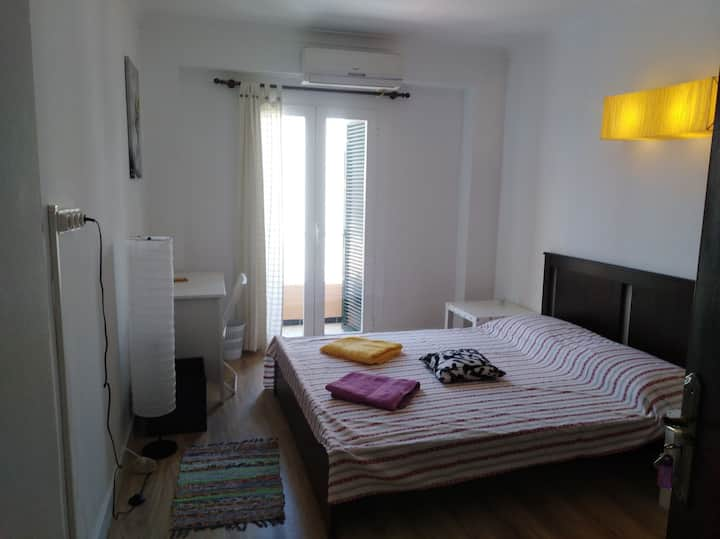 PALMA ARENAL All apt. 2 double room priv.baths A/C