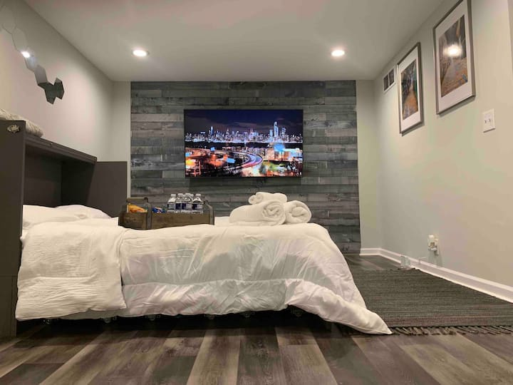 Luxury Sparkling Clean and Cozy In City Suite