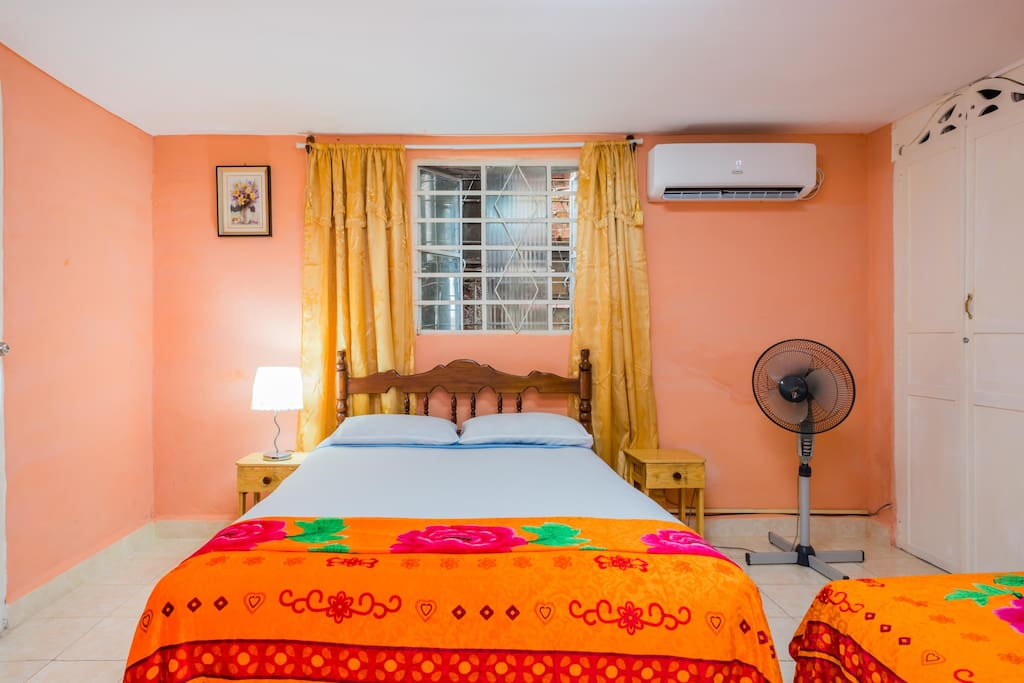 Several amenities in the room, Double bed and single bed with cotton sheets 100 percent.