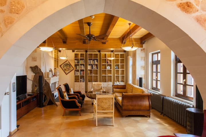 Luxurious venetian house in the old port Chania