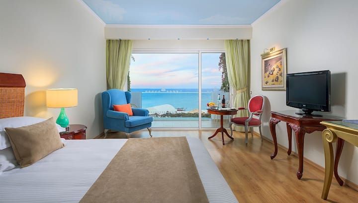 R220 Deluxe  Sea View Room with Buffet Breakfast