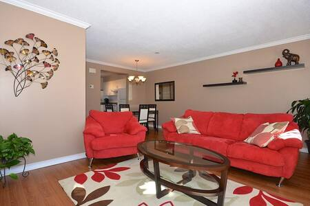 Cozy house near airport and amenities. - Ottawa