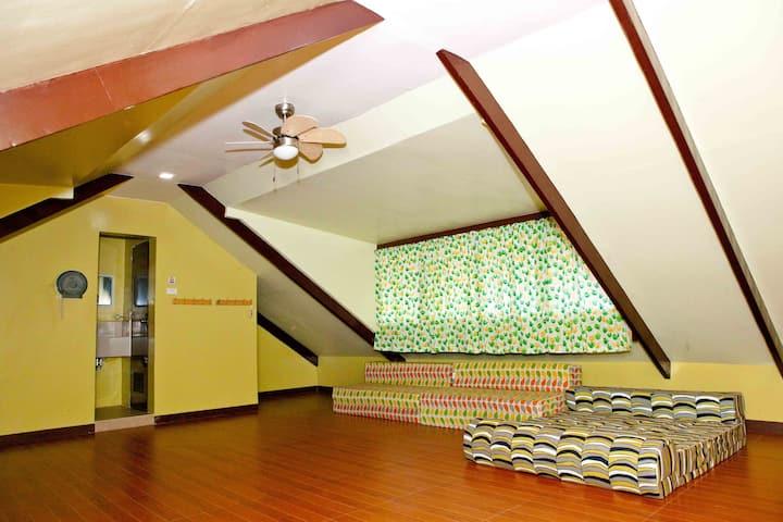 Beatitude Garden-Family Room *Dumaguete City*