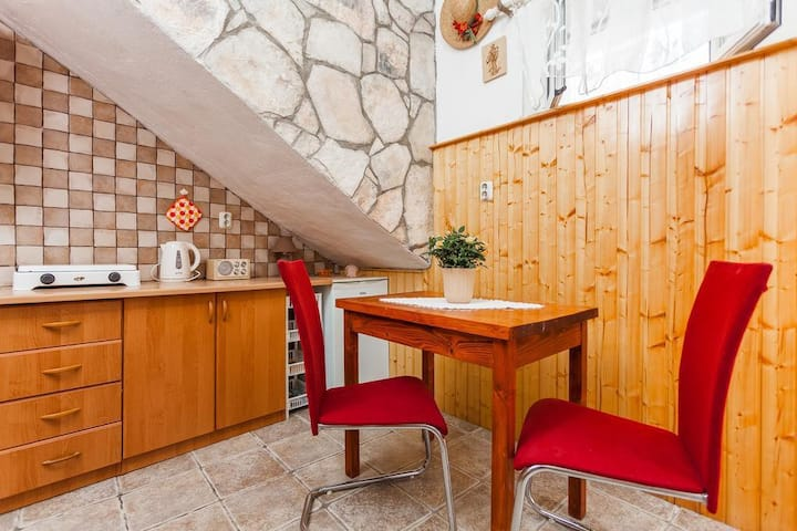 One bedroom apartment with air-conditioning Vela Luka, Korčula (A-16770-c)