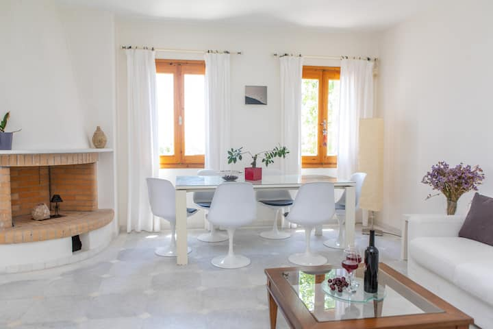 Apanemi Beachhouse - 2 bedrooms Saint George Beach