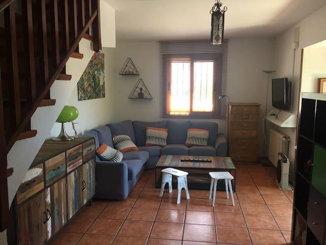 Habitación doble luminosa con balcón