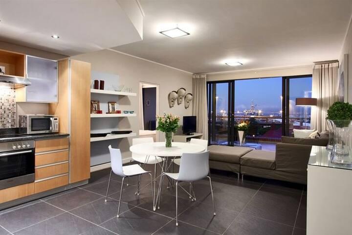 Stunning de Waterkant,Harbour viewing apartment - Ciudad del Cabo - Apartamento