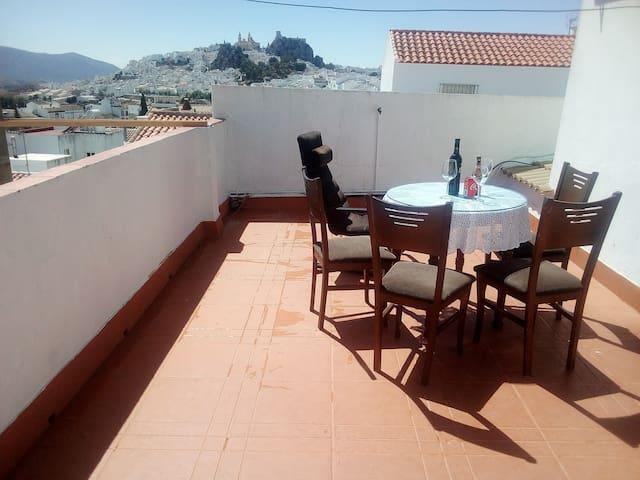Apartamento en Olvera con terraza I