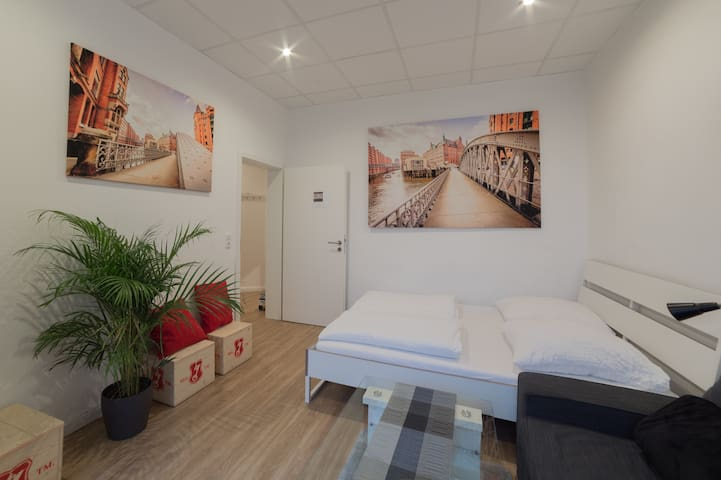 ***CITY APARTMENT*** Reeperbahn*Hafen (1-8 pers)