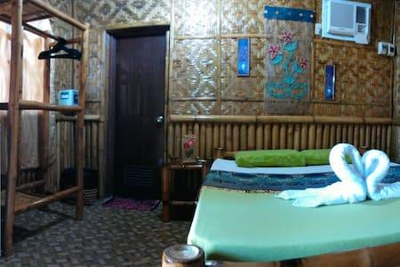 French Kiss Asia Resort - Hut