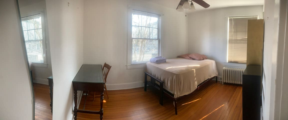 Brookland room for rent!
