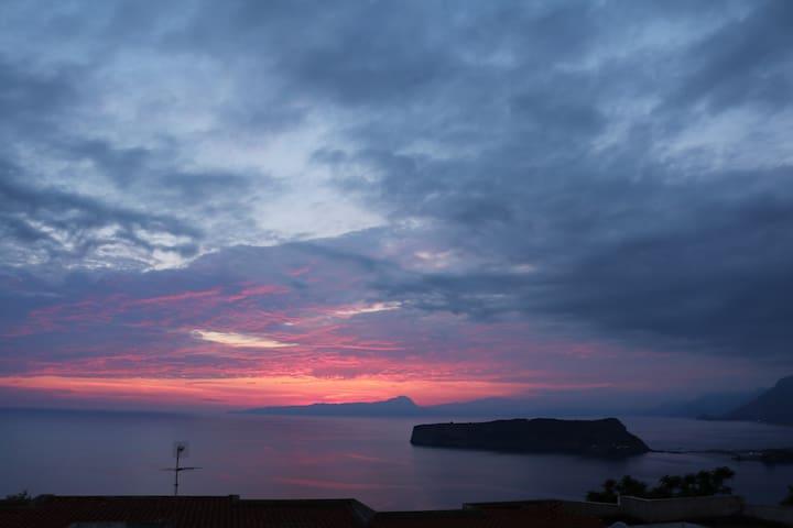 Panorama mozzafiato dall'alba al tramonto