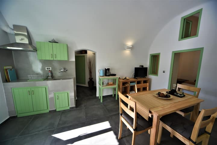 Erato Traditional Cave House with Sea view