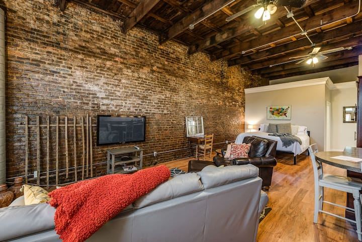 Cookeville Downtown Loft