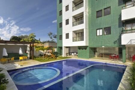 Apartamento Indianópolis totalmente mobiliado.