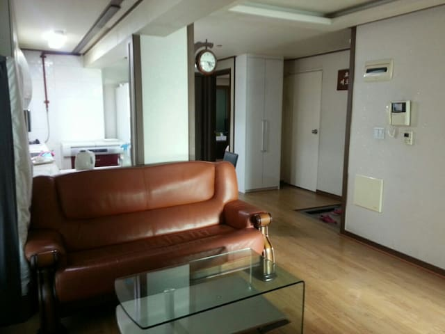고고스게스트하우스입니다  조용한 1인실 입니다 1호실 - 서울특별시 - House