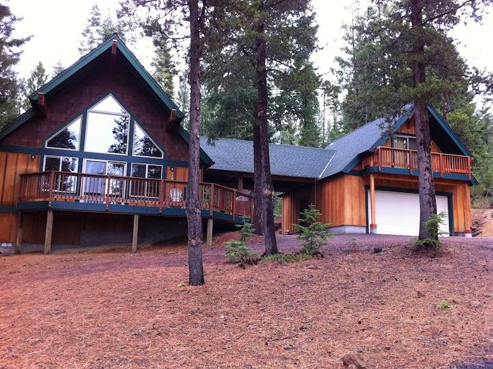 Perfect Crescent Lake Area Cabin Retreat