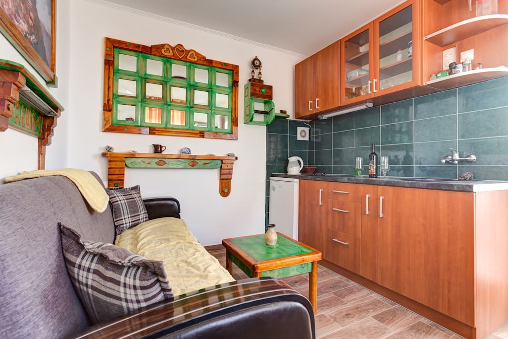 You also have the option of using a small kitchen with all the necessary kitchen elements.