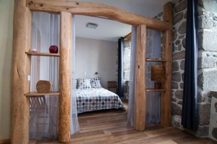 Chambre Granit au château de Marchastel
