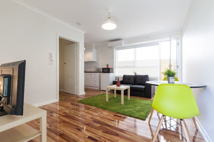 1 bdr with a Courtyard Murrumbeena - Murrumbeena - Leilighet