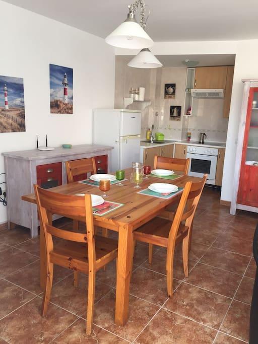 Cucina equipaggiata di tutto,microonde,forno,bollitore,tostapane e caffettiera