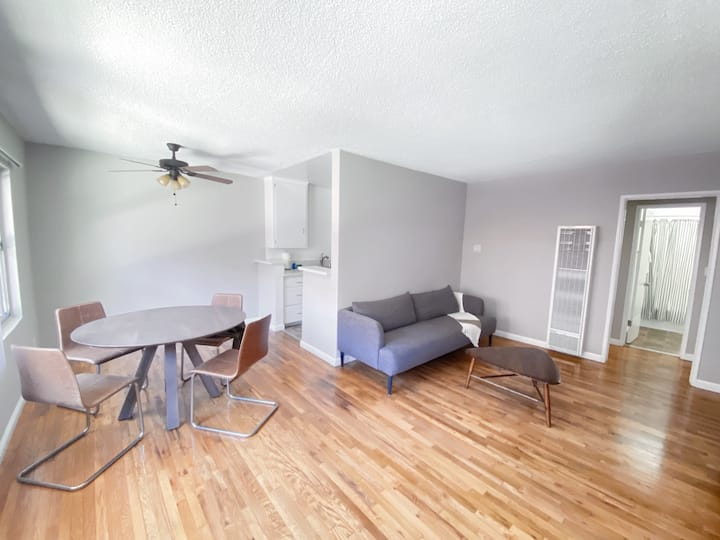 1 bedroom in downtown Santa Monica!