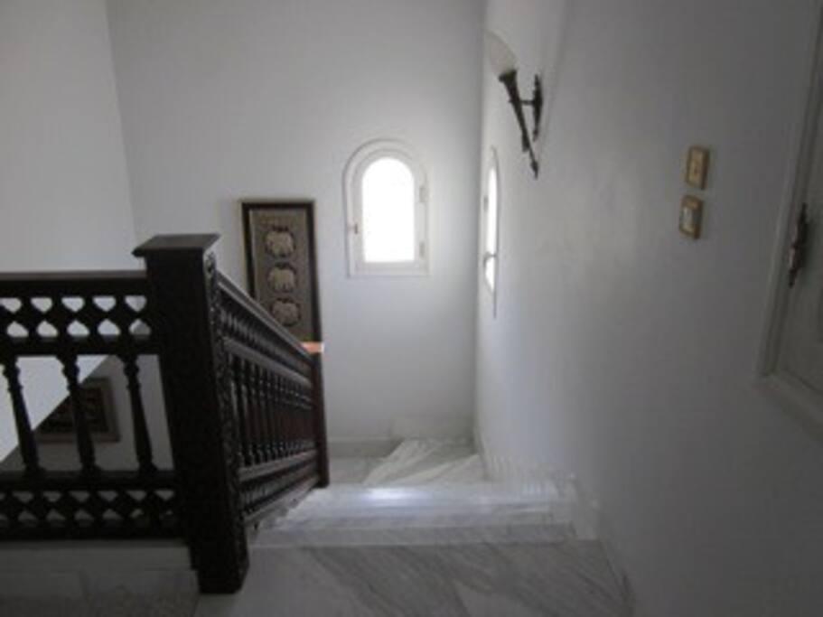Villa avec jardin et v randas villas louer sidi for Villa avec jardin tunisie