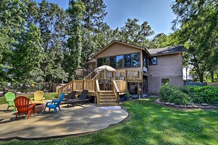 Waterfront Midway Home w/Sunroom & Large Yard